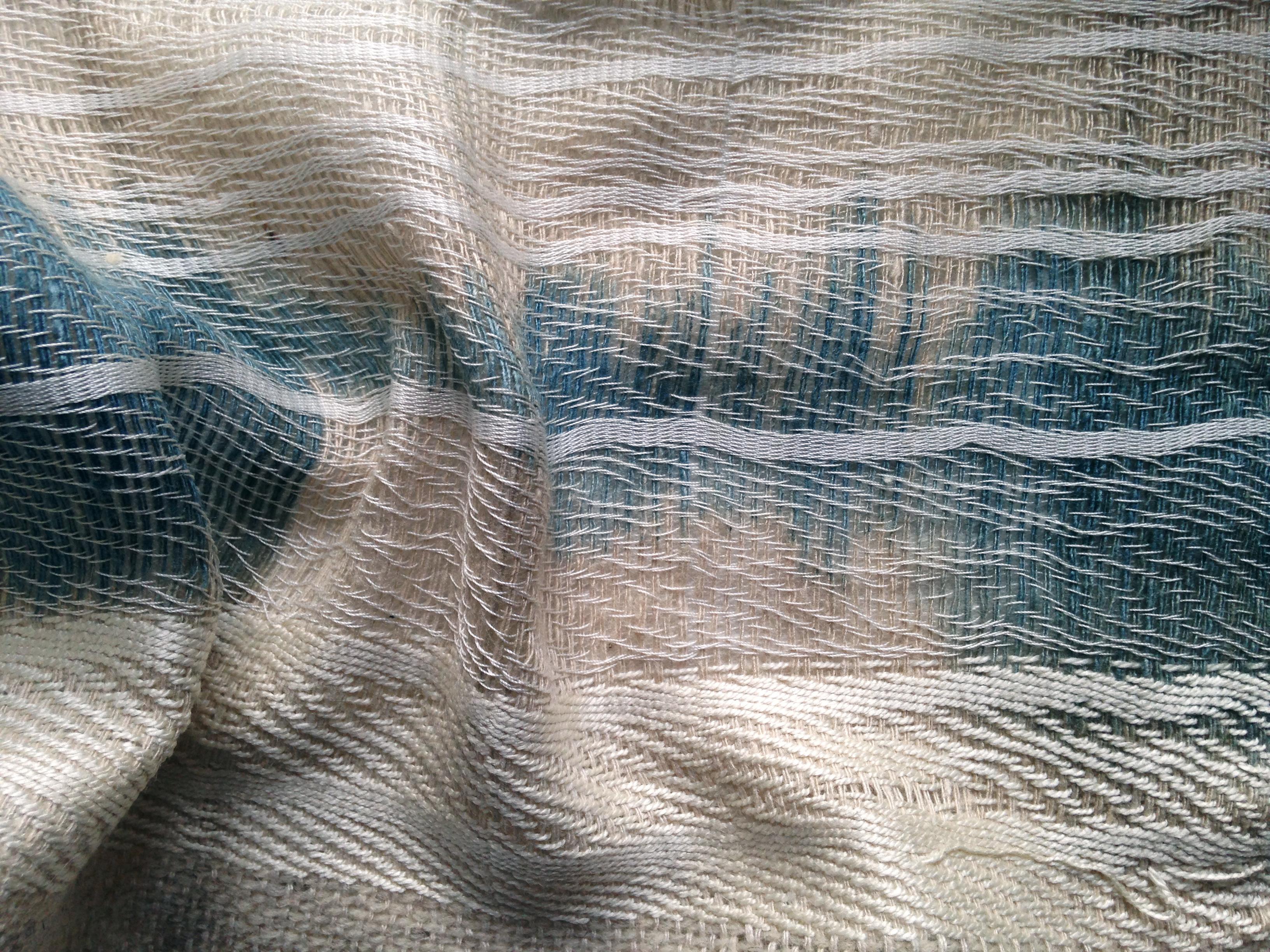 testile soie chanvre lin indigo tissé à la main artisanat d'art luxe haut de gamme loxiale eco design sustainable fashion lucile Drouet